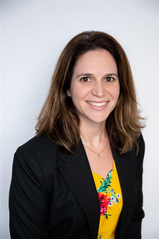 Raeleen Weiss is a Senior Accountant for Considine & Considine in San Diego, CA.